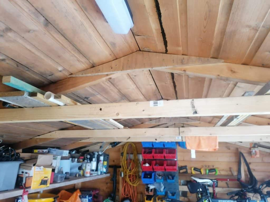 garage with no ceiling insulation